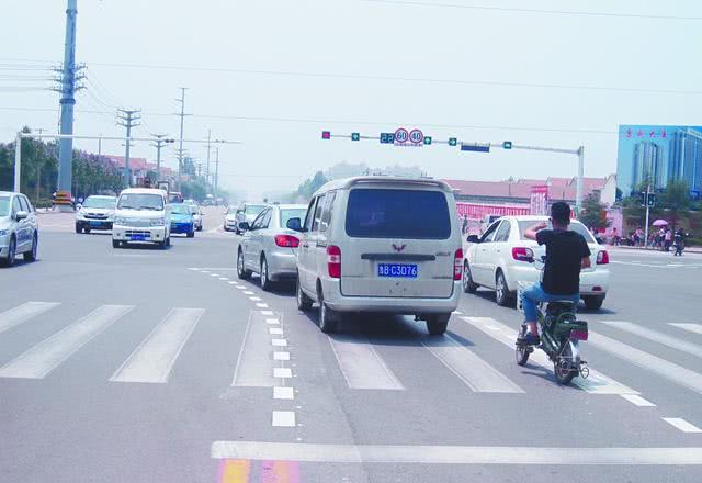 左转弯待转区,三种情况必须弄清楚,否则就是闯红灯