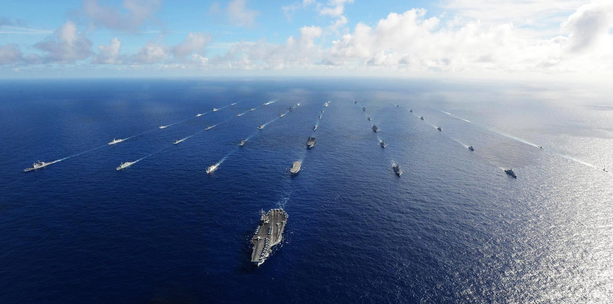 56国联合舰队驶向波斯湾,伊朗导弹蓄势待发,美军等待对手犯错
