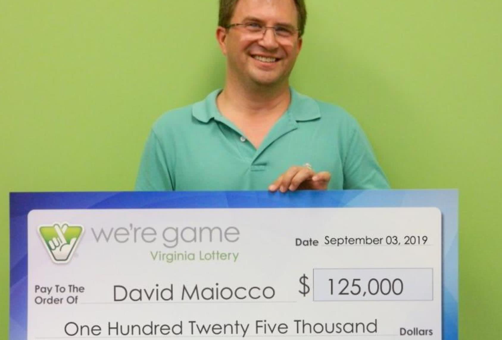 男子用同组号码买了25张彩票,结果全中奖、奖金翻25倍