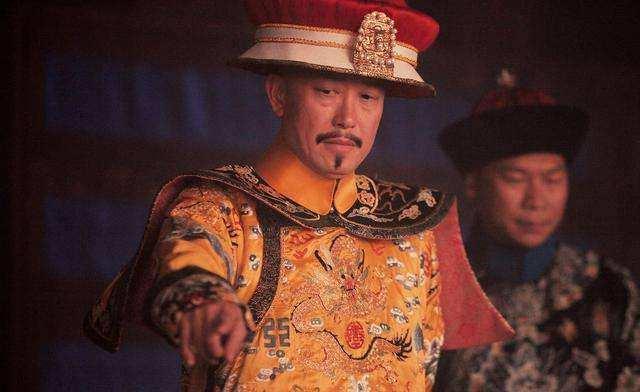 皇叔有腿疾,乾隆:见我不用跪!1年之后,皇叔懊悔不已,抑郁而终