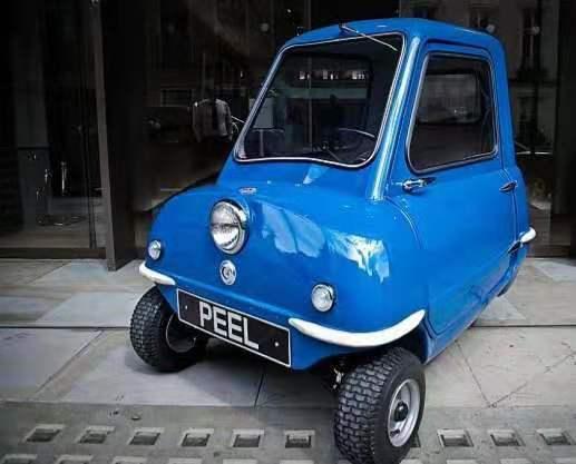世界上最小的汽车,获吉尼斯认可。造型可爱,堵车时还能扛在肩上走