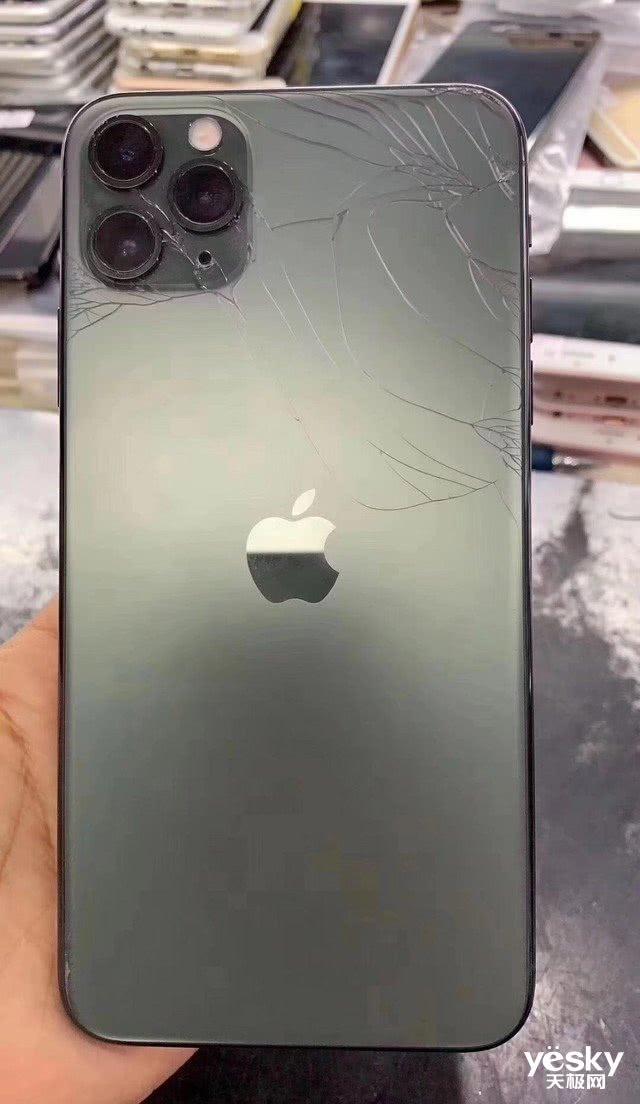 画面惨烈!iPhone 11集体首碎:维修成本最高达4659元