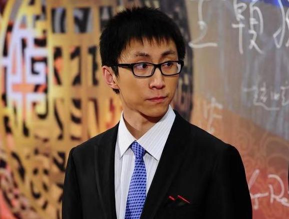 """大三破解""""世界难题"""",22岁成985教授的天才神童,现状怎样"""