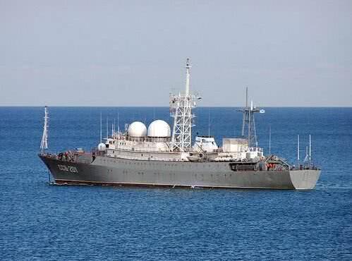 美国近海拉响警报,一艘军舰航行数千公里,突破封锁宣示航行自由