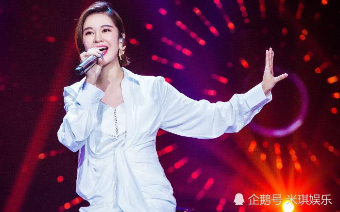 比李宇春还牛的超女,每40天出一首新歌,现在演唱会门票被抢光