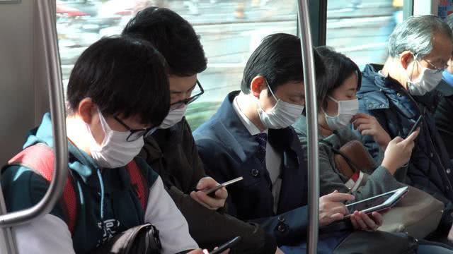 日本受疫情笼罩,进入消费冷淡期,老年人比年轻人更害怕外出?