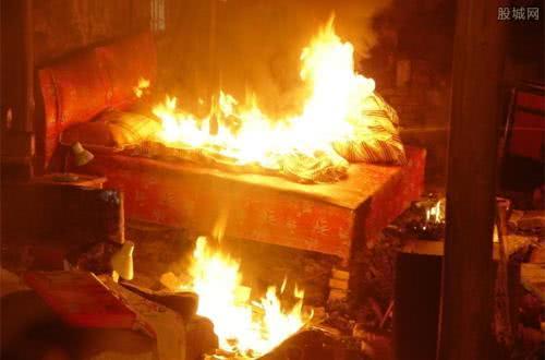事发瓦房店:男子借钱遭拒怀恨在心 纵火烧了朋友家被判刑