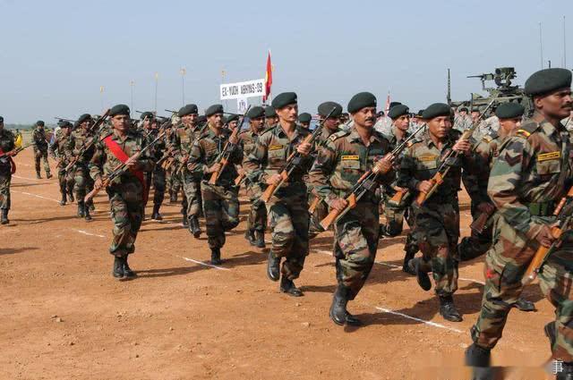 4万印军杀到边境,巴铁如临大敌下令高度戒备,空战将再次打响?