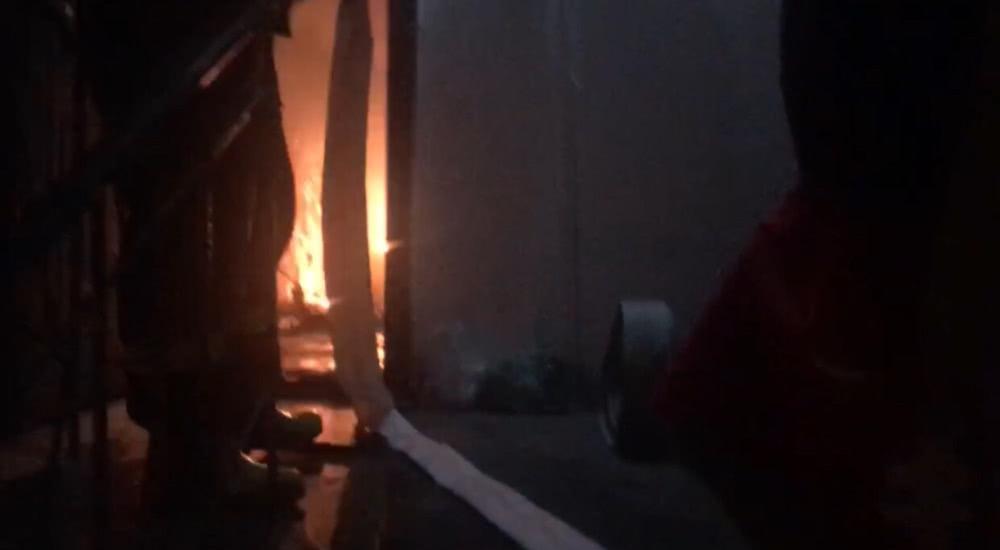 事发大连:正在充电的锂电池突然起火 一家五口被困危在旦夕!