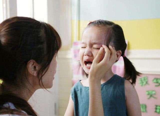 当孩子因懦弱受到欺负时,家长别着急,父母可以这样处理!