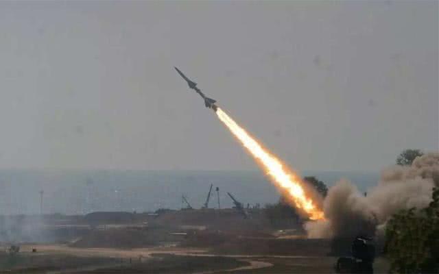 胡塞导弹升空,击落沙特狂风战机,新雷达建功,残骸现场爆发激战
