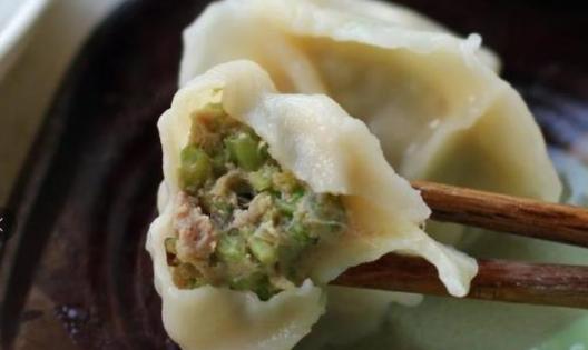 记住这3个小技巧,学会包超好吃的饺子,做好放冰箱里也不坏