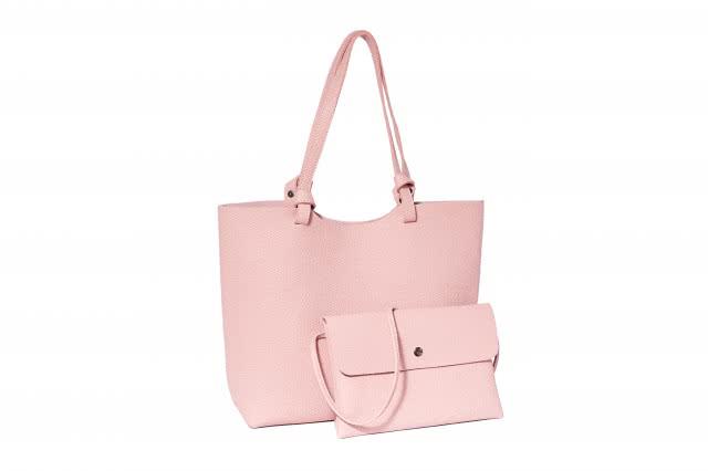 <b>粉色包包配什么颜色衣服 教你搭配出时尚感</b>