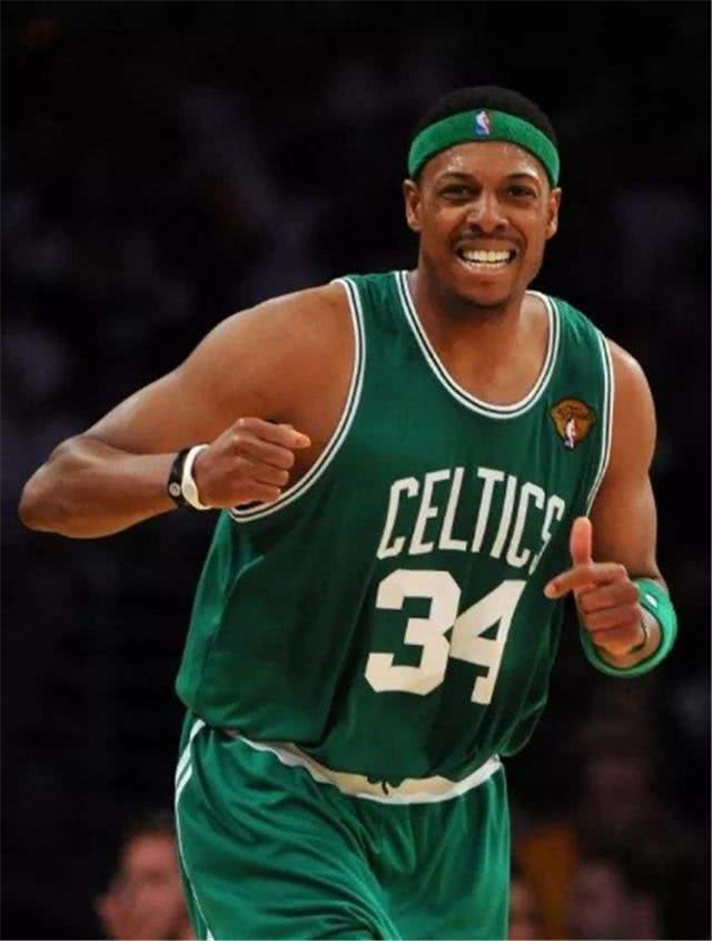 NBA球员戴手环有何用防止受伤,却可以增加投篮命中率