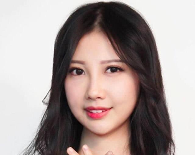 香港女歌手抗癌八年微笑面对人生 闺蜜帮助她圆了梦幻婚纱梦
