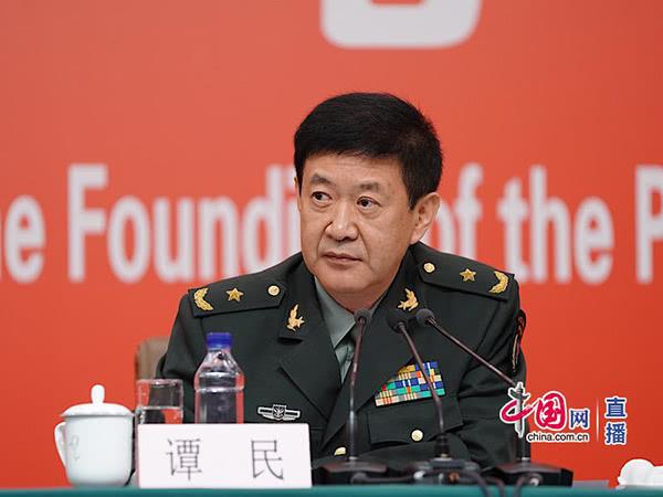 新中国成立70周年阅兵受阅者年龄20-60岁 男性身高普遍超1.75米