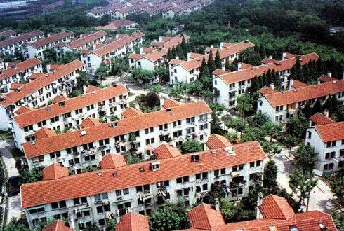 """马尚龙:邨与村的""""上海滩恩怨"""""""