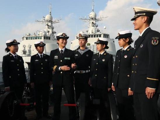 中国首位美女舰长,当代花木兰,放弃百万年薪投笔从戎