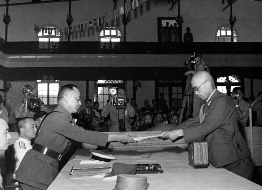 中原突围后,中原军区创建了两个根据地,军区司令员分别是谁