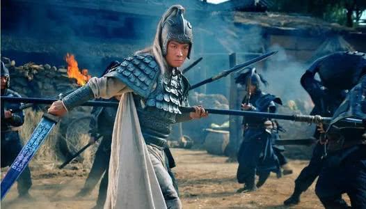 赵子龙是叫关羽皇兄吗?有这个说法吗?