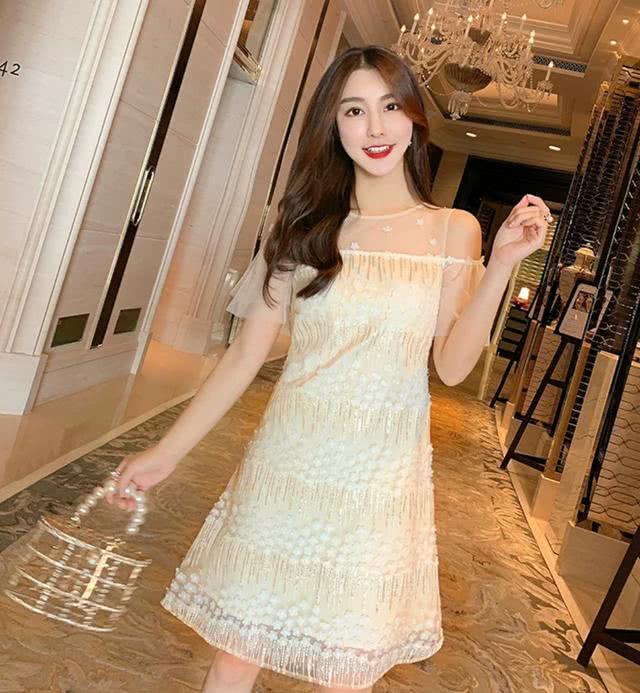 仙女网纱修身连衣裙,优雅性感气质迷人
