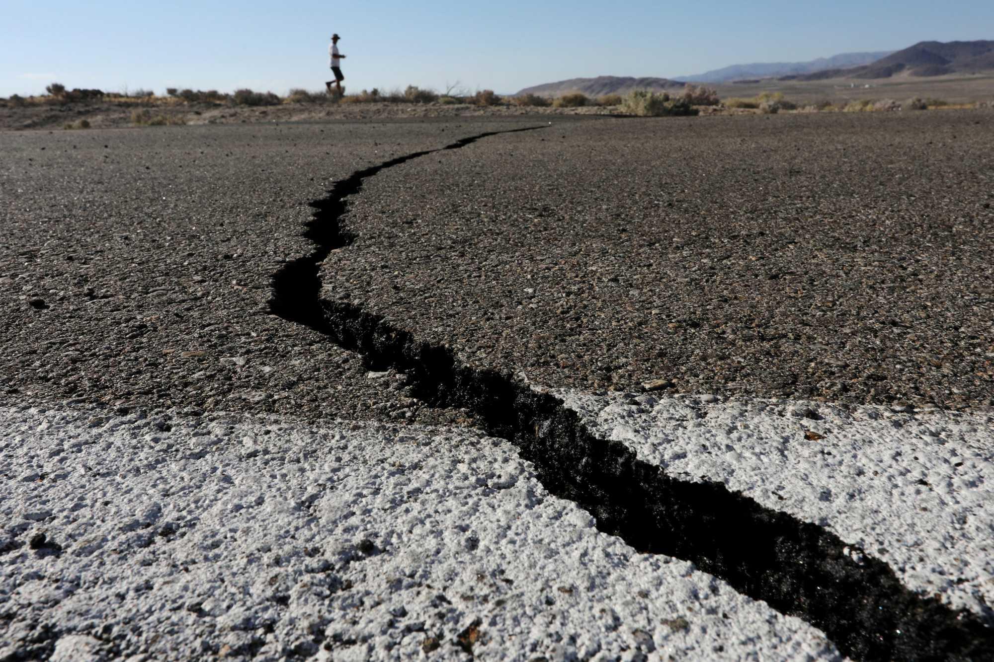 能引发美国加州8级地震的断层史上首次动了!