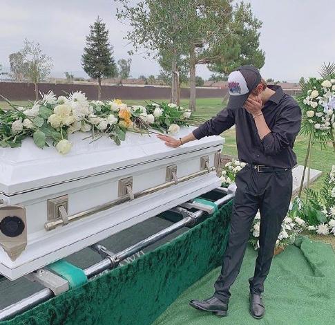 金Samuel悼念父亲,杀害其父的嫌疑人被捕,居然是老朋友