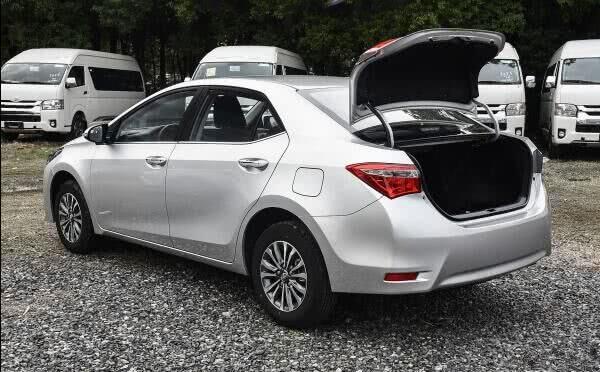 真正的家轿第一,开10年只换轮胎,油耗仅5L,买它从未后悔过