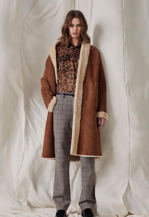 """冬季时尚的""""标杆"""",舒适的外套,美得""""毋庸置疑"""""""