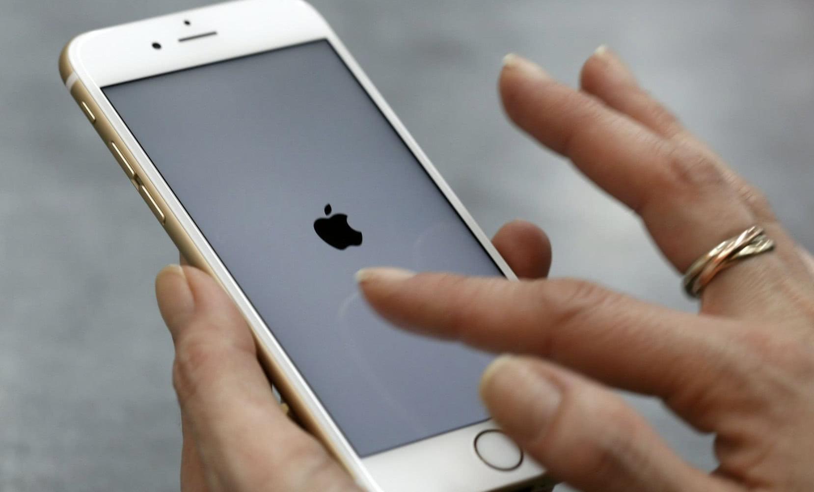 <b>iphone6正式停产了,这款经典手机值得收藏,太秀了!</b>