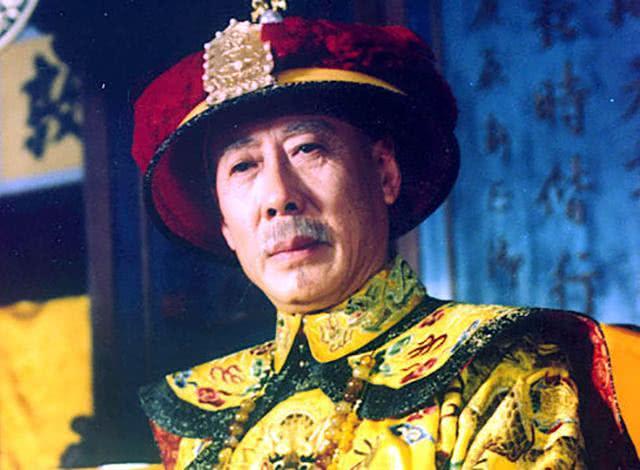 从政治、经济、军事、文化四个方面,看乾隆皇帝取得的成就