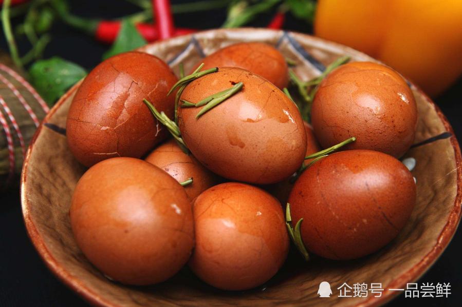 继大陆吃不起榨菜后,台湾财经专家又搞事情,网友:智商得交税!