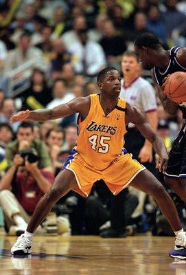 """NBA最""""自律""""的球员!撞掉两颗牙继续比赛 为打球禁欲39年"""