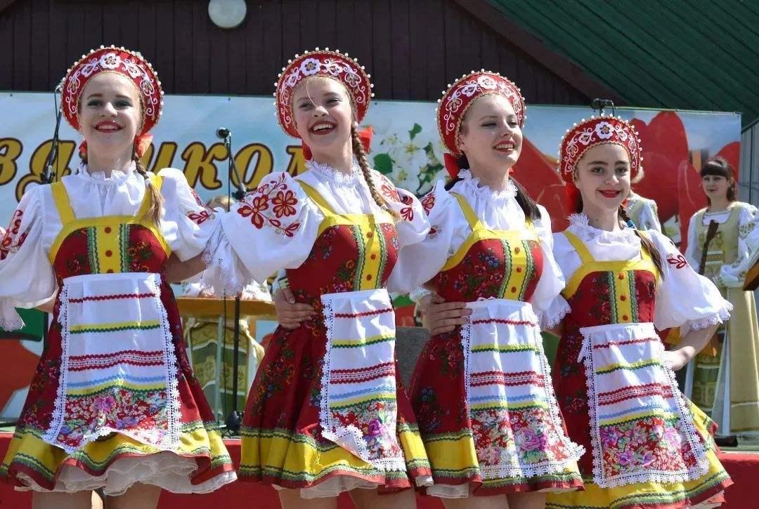 <b>为什么白俄罗斯禁止女性出国,除了她们太美,还有一点很重要!</b>