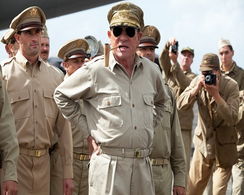 日本投降时,美司令问日本天皇:你为何不剖腹?天皇只说了四个字