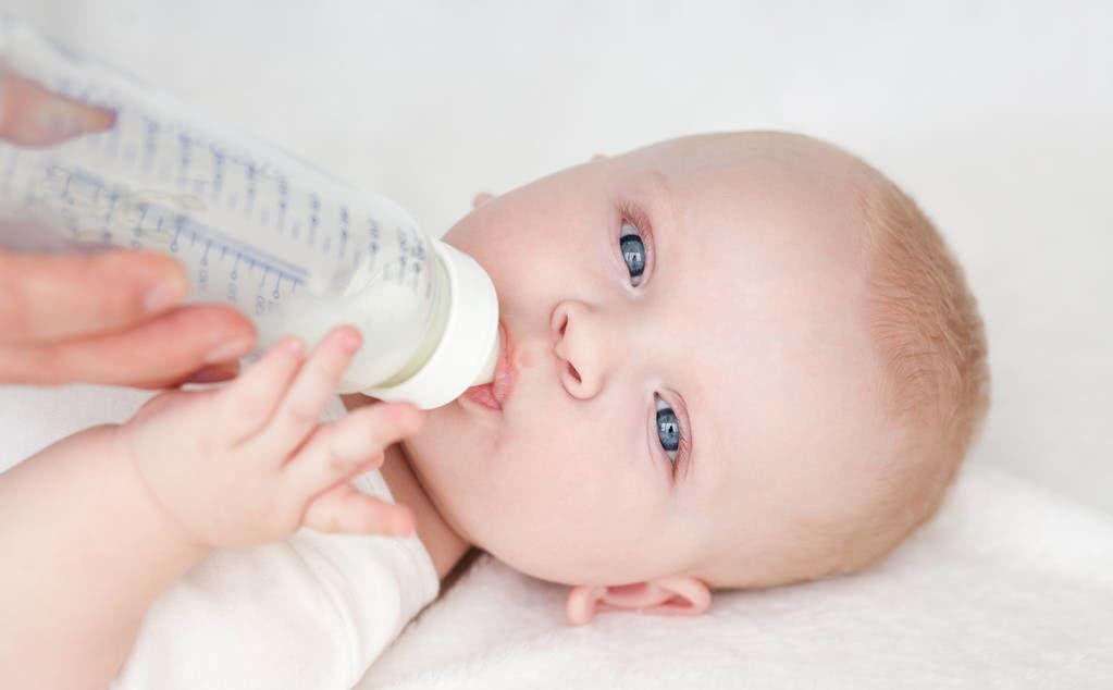 """宝宝有这5种情况,家长要注意,可能是过度喂养惹的""""祸"""""""