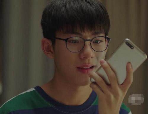 《小欢喜》磊儿手机修好了吗?没修好对他来说未尝不是件好事!