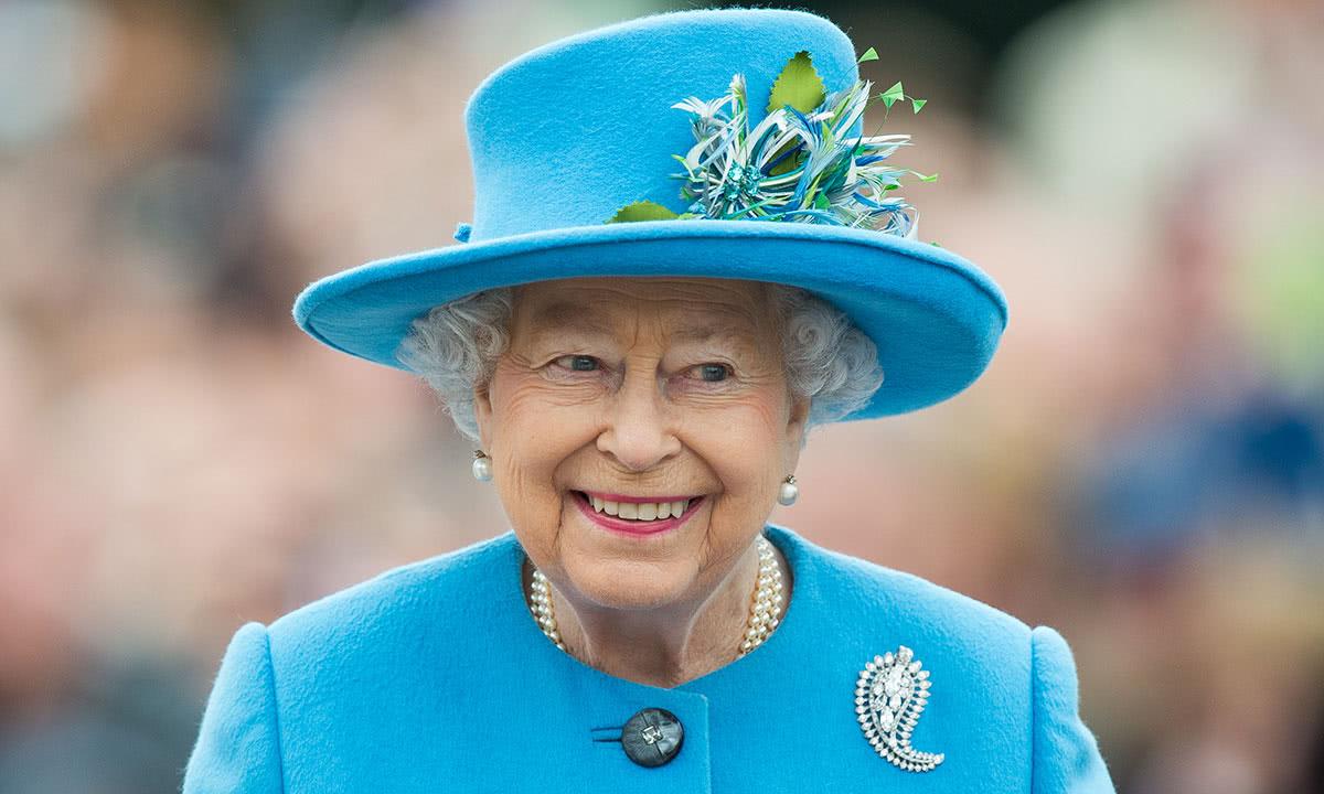女王二战时未曾撤离过英国,那时13岁就很勇敢,如今疫情期仍办公