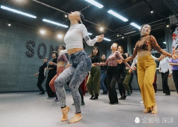 爵士舞在《这就是街舞》走红,它可以算是街舞吗?