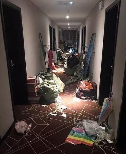"""""""前所未闻""""系列,要求200名学生搬宿舍住宾馆!原因居然是谜"""