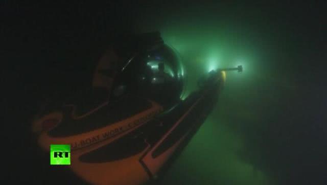 潜艇被炸深埋海底,普京亲自下潜50米查看,还说了这样一番话