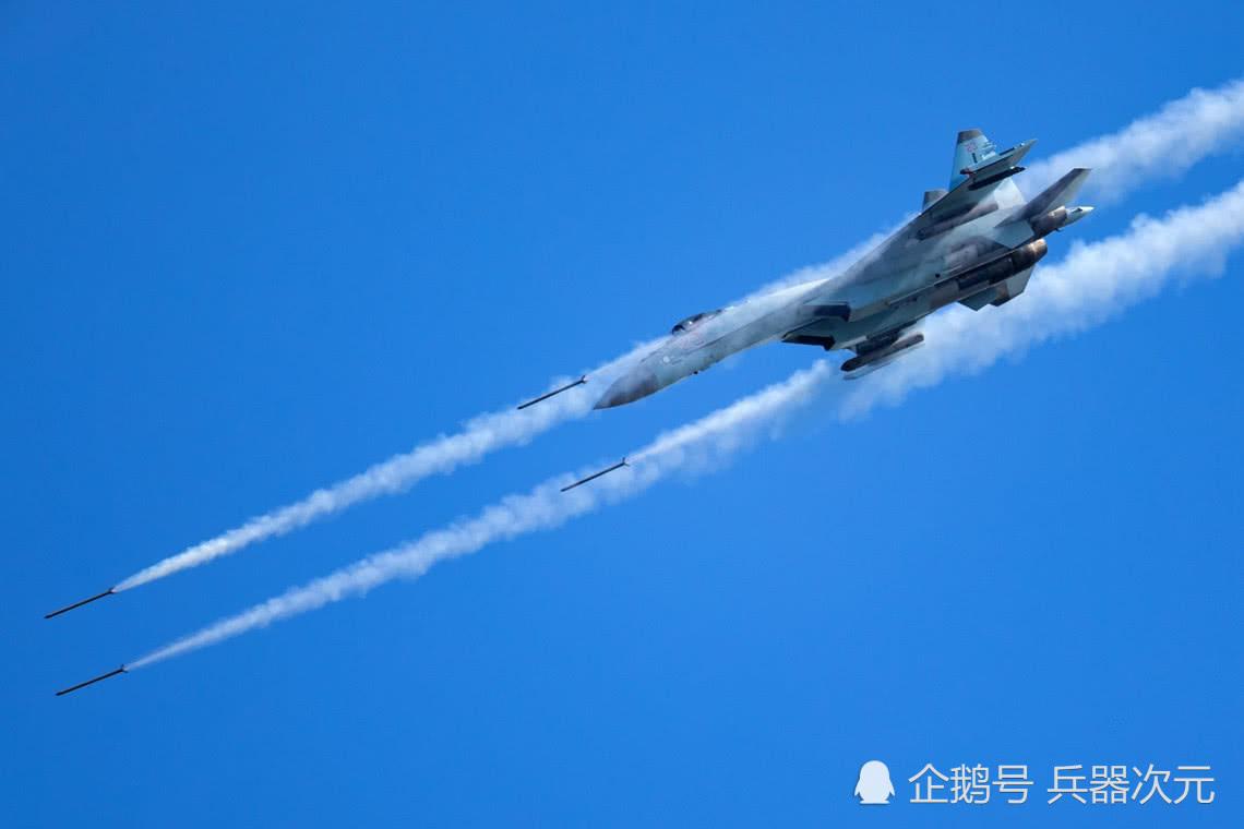 <b>100架俄军战机轮番开火,乌克兰边境硝烟弥漫,北约袖手旁观</b>