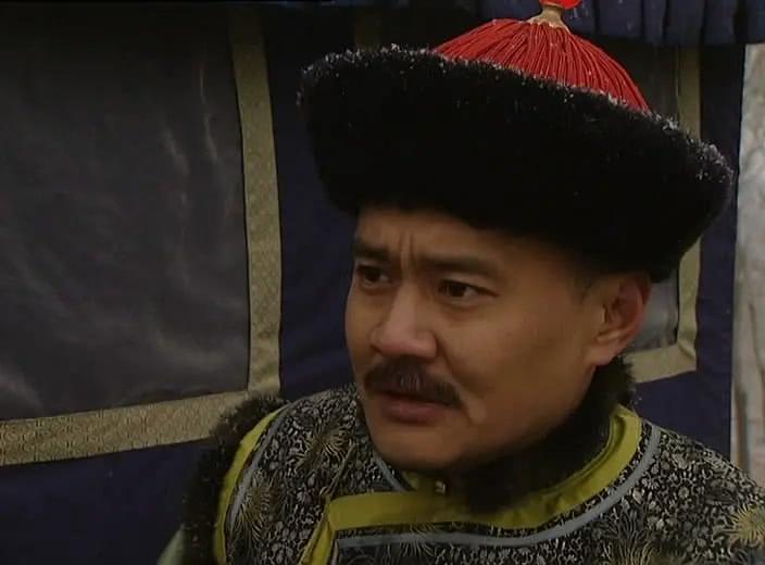 他是北京人艺演员,演过《赤壁》里的曹洪,更是侠肝义胆的十三爷