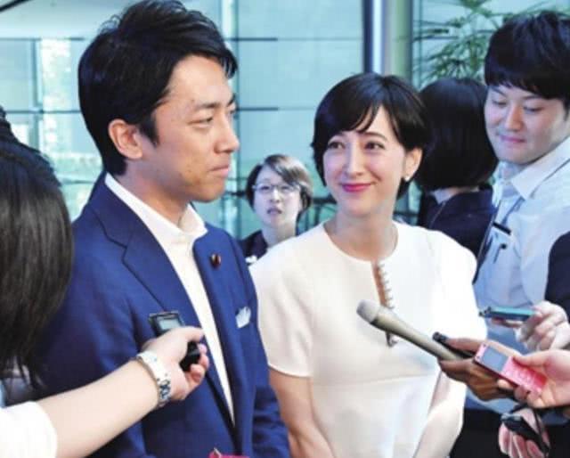 日本内阁大臣第一人休陪产假,宠妻小泉进次郎:给父亲们树好榜样