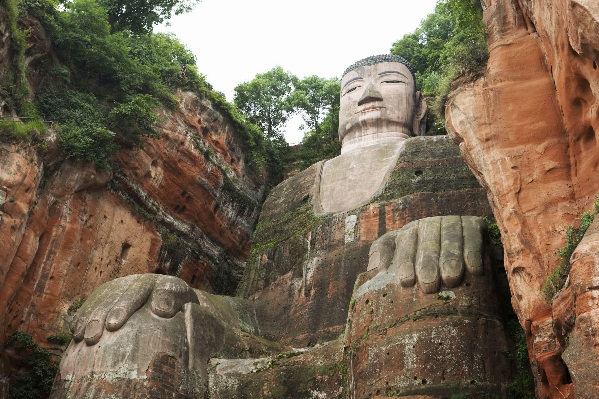 青州山体隐藏着巨型雕像,专家说:这个雕像如何形成是难解谜团
