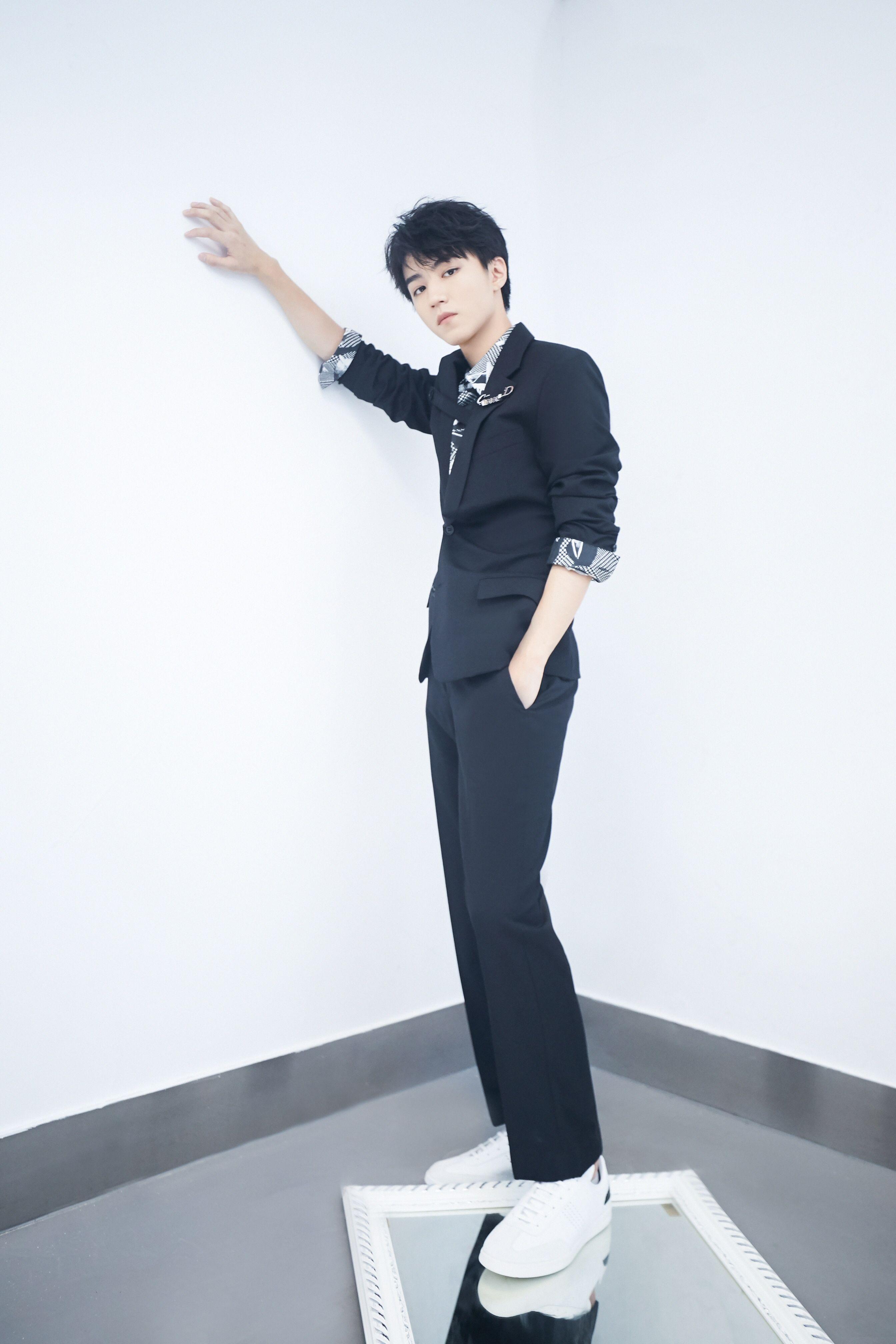 王俊凯和公司协商个人演唱会票价,由于太体谅粉丝,请求还没许可