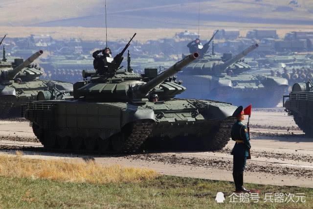 北约缴获30辆俄军坦克,伊朗重要补给线被切断,60万大军挨饿