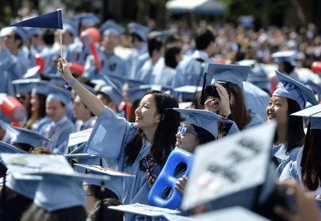"""这3类大学生""""很不值钱"""",毕业等于失业,即使名校企业也不青睐"""