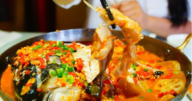 湖南的经典名菜,剁椒鱼头,这样做鲜美香辣
