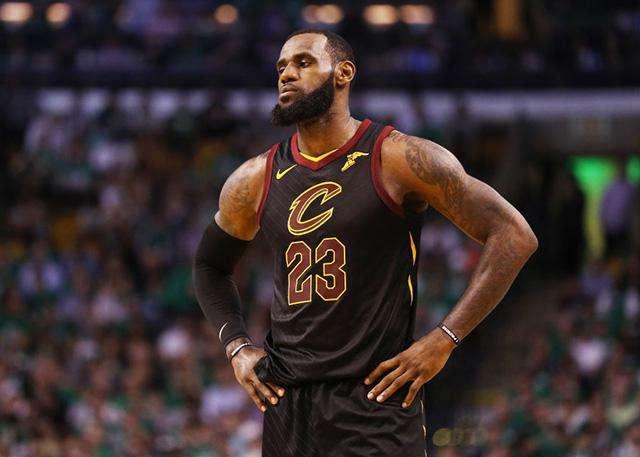 NBA史上最强前五排名:大鲨鱼和科比落榜,詹皇争议最大